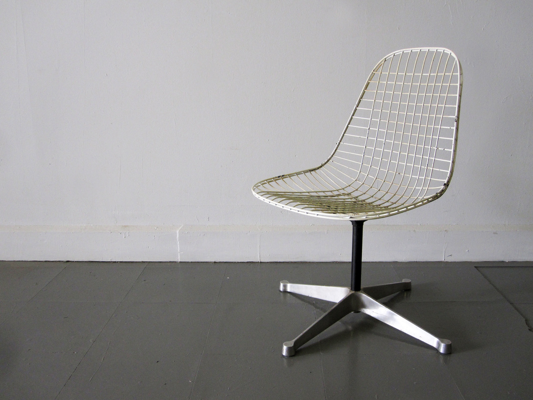 Eames Swivel Wire Chair